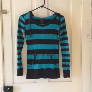 Hooded striped thermal top.